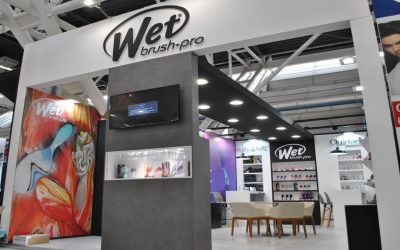 Wet brush allestimento al Cosmoprof